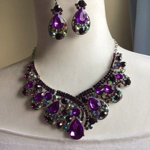 Jewelry - Violets , purple necklace. NEW